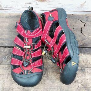 Keen Sandals Size 7 Hiking Walking Waterproof Shoe